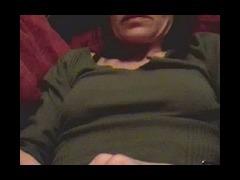 Horny bimbo uses vibrator