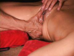 Squirt guru shows you how to make her gush