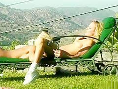 Horny amateur blonde, toys porn clip