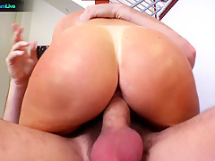 Horny chick Indie Summers hungry for man's juice