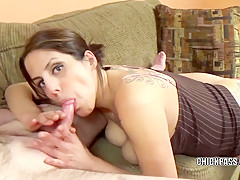 Mature hottie Lavender Rayne gives a blowjob to a geek