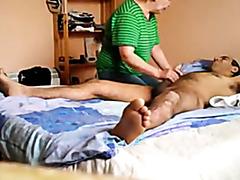 Oma Massage mit Happy End