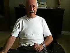 Comely dude is frigging at home and memorializing himself on web cam