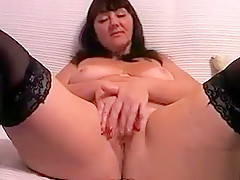 Thick Webcam Chick Masturbates