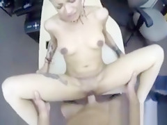 Cute Hot Babe Loves To Fuck For A Price