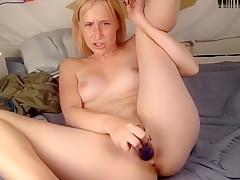 new xxxjuicyfruitxxx cute 19y fucks herself 01/07/18