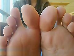 Maria's perfect Latina feet