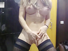 Violette Strongsexy fucks with her coworker at the Convention Center