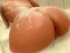 Big Fake Tits & Juicy Ass, Bath Time Orgasm!