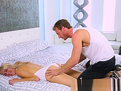 Massage babe rubbed before pussyfucking