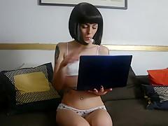 Jeune ado se masturbe devant My Mademoiselle - Anna Furiosa