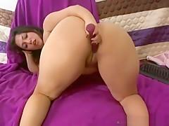 Latina MILF masturbating on cam - Visit xLatinos com for more Latinas!