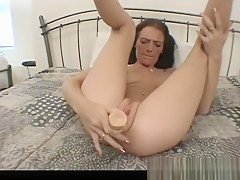 Horny babe fucling her shaved cunt part6