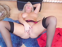 British mature mother with very hungry vagina