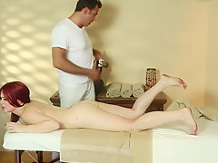Tricked babe filmed during erotic massage