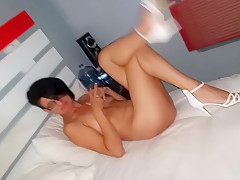 INTRODUCING CLEO THE HORNIEST MILF SHOWING OFF HER SHAMELESS LUST