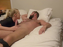 Horny girlfriend see and opportunity to steal a creampie from her boyfriend