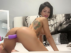 Anisyia livejasmin fucked hard by sexmachine in HD