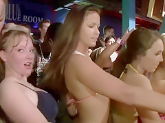 Showing off at the nighclub - DreamGirls