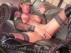 Sandi smoke and squirt