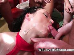 Filthy British mature i'd like to fuck deepthroats and eats cum