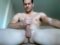 Hunk Plays With His Penis And Cums On Webcam Show - 429Videos