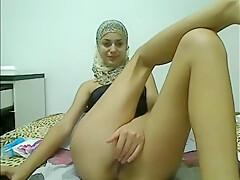 pretty hajib girl masturbating on cam-