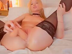 Beauty Blonde Slutting Her Holes