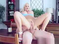Big Cock Stud Hard Bang On Cam A Mature Lady (alena croft) video-01
