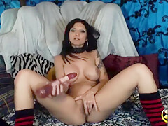 Raven Lexxxi Nicole with big handsome boobs humiliates small cock