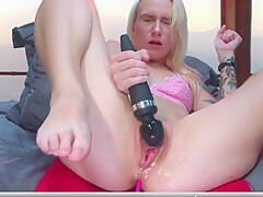 How many times does she cum? Intense multiple squirting