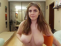 LUSYCANDY MAKES HERSELF SQUIRT