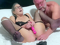 Hot Milf Gets Her Pussy Eaten Vibes To Wet Orgasm Has Anal Beads Inserted