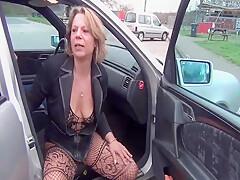 Street hooker pisses on client