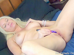 Horny MILFs Contracting Orgasm Leaves Her Sopping Wet
