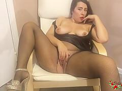 Chubby Babe In Sexy Lingerie Masturbates Tight Vagina On Cam