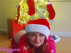 Slutty Redhead Excited To Open New Vibrator For Chistmas Gift