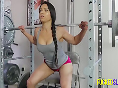 Brunette Babe Working Out With Big Weight