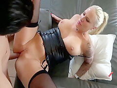 Lara Cumkitten In Strapped And Ready To Fuck, I Am Your Woman