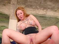 Tattooed Girl Likes Sucking Big Cocks