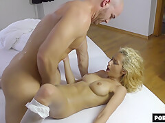 She Squirts And Shouts While Covering Him In Squirt - Veronica Leal / Mrbigfatdick
