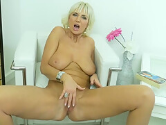 Blonde Granny, Roxana Is Naked And In The Mood To Masturbate In Front Of The Camera
