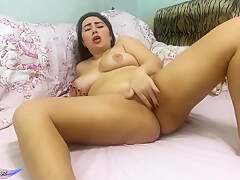 Bbw Passionate Fingering Pussy And Demonstrate Foot