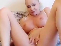 Hot russian milf LyalyaXX play with sex toys