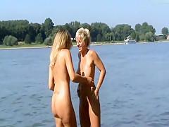 Waschtag am Rhein