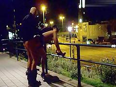 Vor dem Hotel gefickt Public