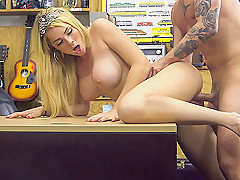 Skyla Novea in Weekend Crew Takes A Crack At The Crack - XXXPawn