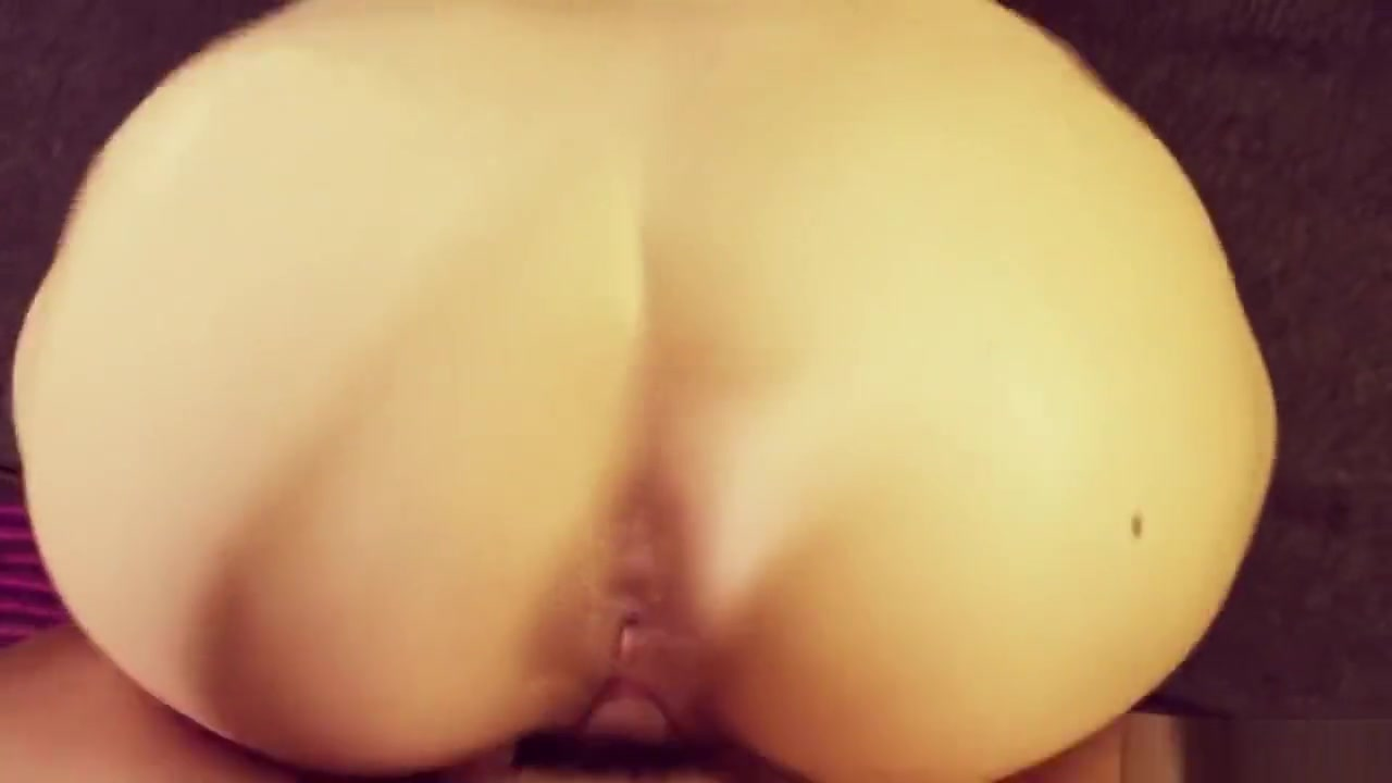 Slim Thicc bubble butt fucked doggy style