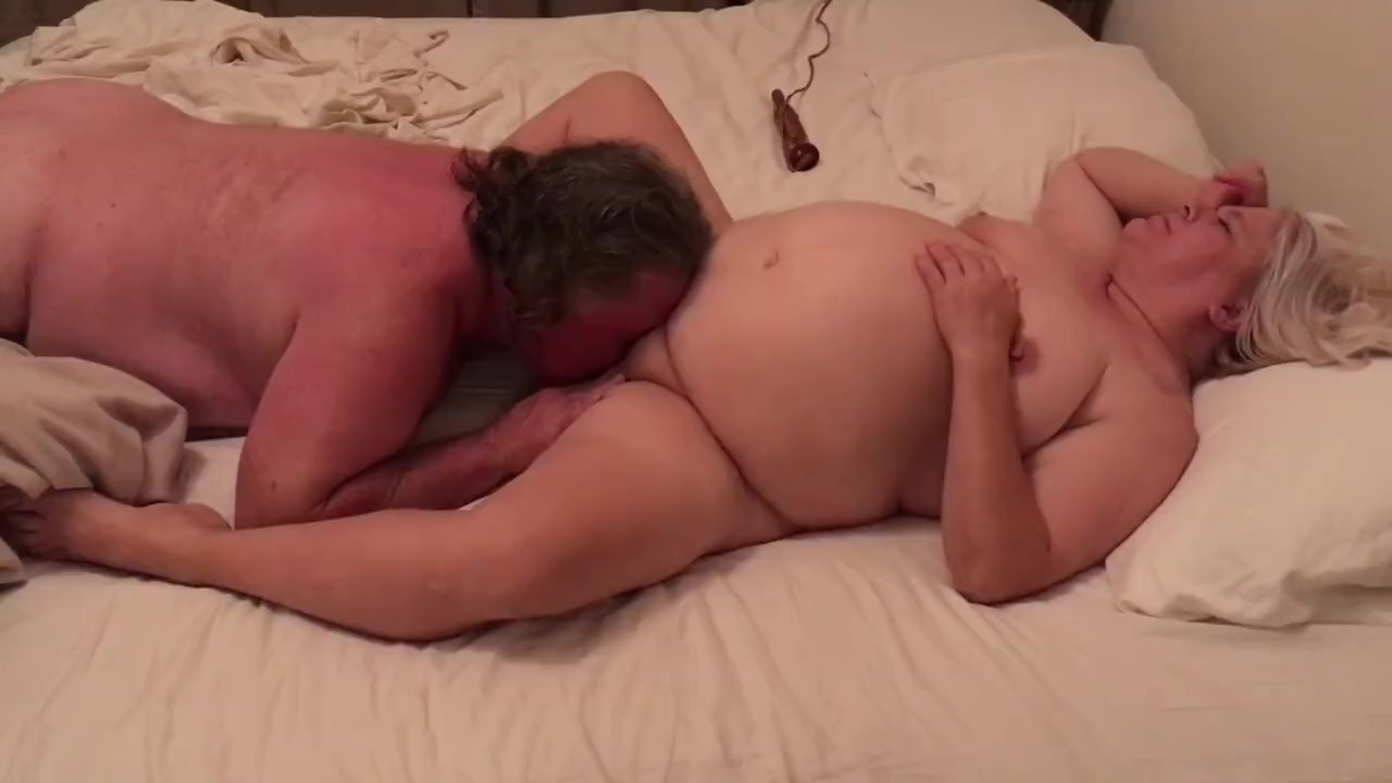 Fucking and fingering the wife to 2 intense orgasms
