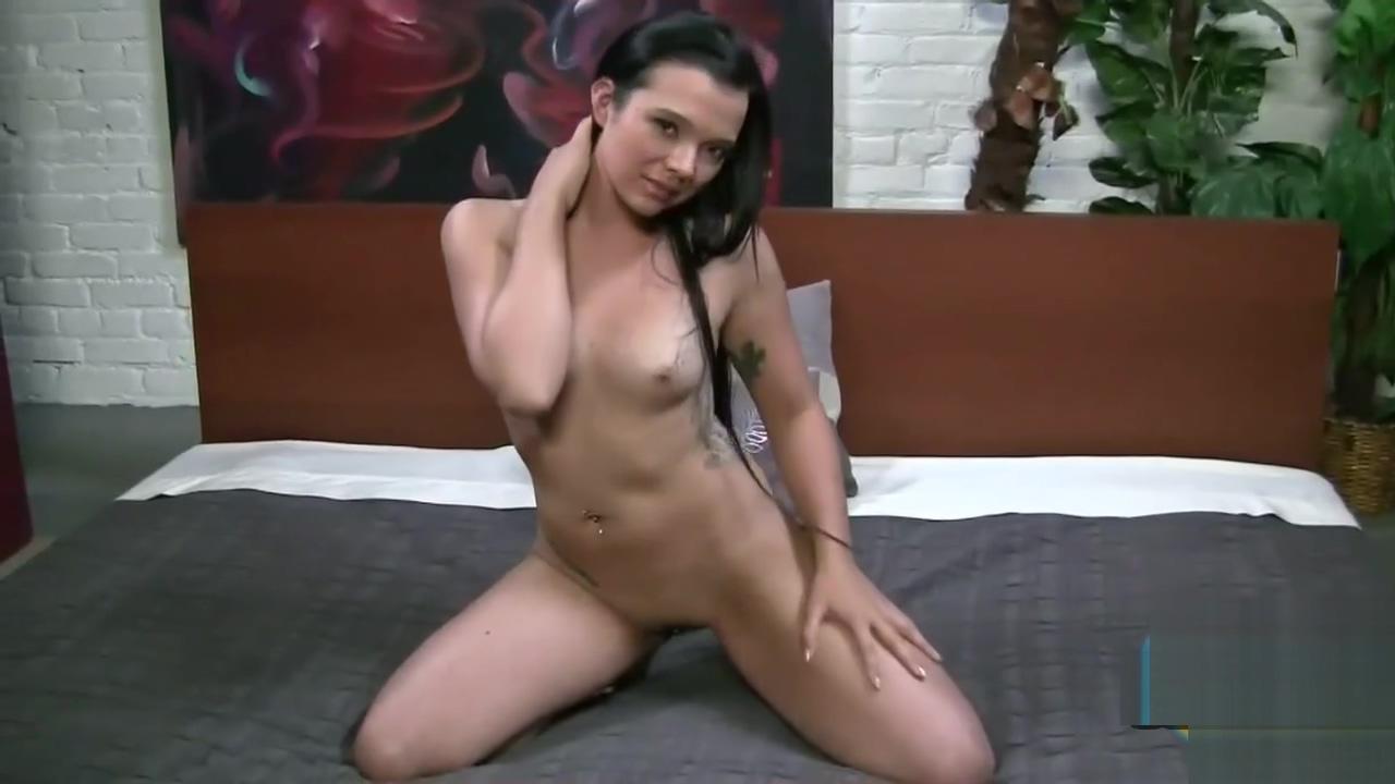 Sexy Asian gives a great handjob